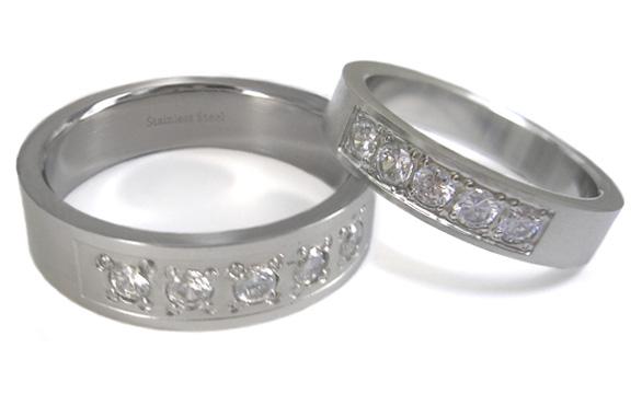 Levné snubní prsteny z chirurgické oceli 1 pár RSSJ04-CZ (Levné snubní prsteny z chirurgické oceli RSSJ04-CZ)