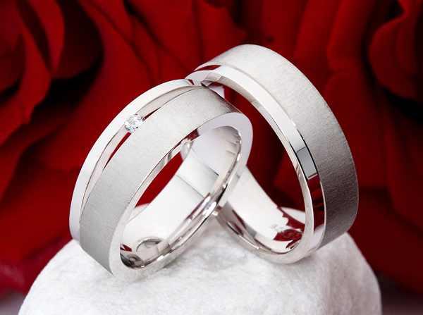 Prsteny s briliantem OC1099 (Snubní prsteny OC1099)